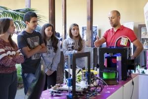 Alumnado en la I Feria de Vocaciones Científicas de Canarias
