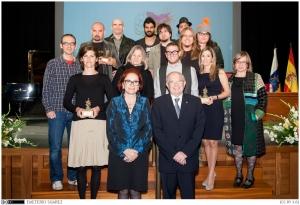 Ganadores de los Premios Culturales 2014 con el rector, Eduardo Doménech y la Vicerrectora, Nélida Rancel.