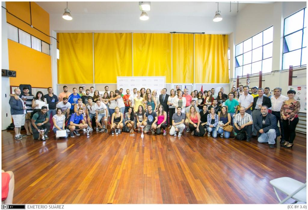 Foto 16. Participantes actividades deportivas en 2015 y premiados