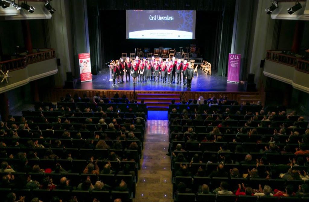 Uno de los momentos vividos durante el concierto  solidario de Navidad 2016. F. Emeterio Suárez